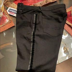 Brand new Ladies black denim jeans.